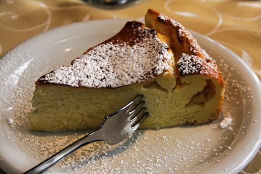 Agriturismo Le Selvole degustazione prodotti tipici toscani, dolci fatti in casa - Agriturismo Le Selvole Tuscan tasting typical products, homemade sweets