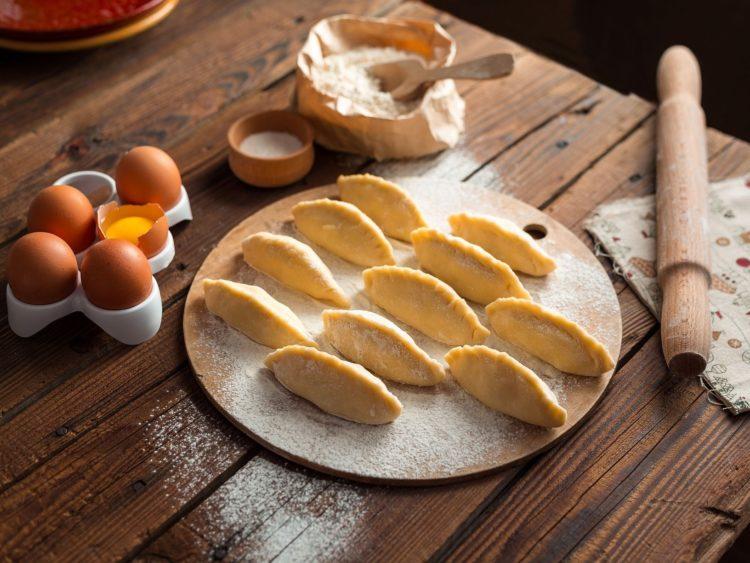 Agriturismo Le Selvole cucina tipica toscana, pasta fatta in casa - Agriturismo Le Selvole typical Tuscan cuisine, homemade pasta
